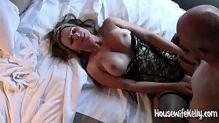 Horny BBW MILF Kelli Stern gets her pussy fucked by a massive cock - 1:00