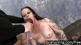 Slutty goth Alysa deep throat and sucks - 5:40