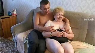 Russian Granny Grandson - 20:00