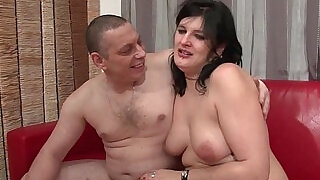 Anal casting of an Amateur french couple with a chubby slut hard plugged - 36:00