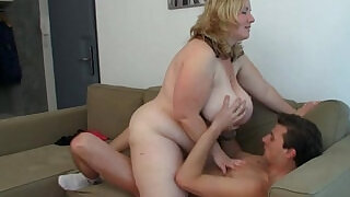 See her huge melons bounce - 6:00