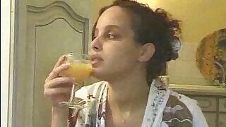 Pregnant Arab Girl - 16:00