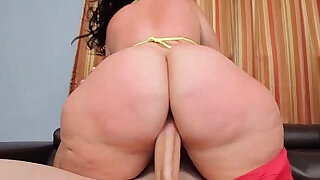 PHAT ASS BBW PLUMPER KNOWS HOW TO RIDE - 6:00