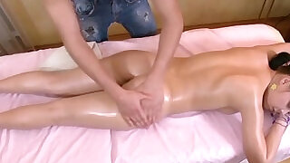 Sensual massage before fuck directly on massage chair - 24:00