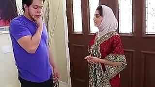 Dagfs Arabic Chick Nadia Ali Tastes White - 13:00