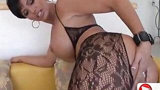 MILF Magnet HD Porn - 1:6:00
