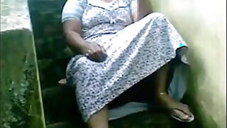 Indian ir Housewife Exposing Her Pussy Sitting Outside Her House - 1:01