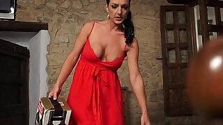 Spanish Mom Carla Pons at Saboom - 10:00
