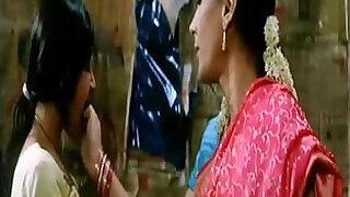 Girls Kissing Dil Dosti Etc - 0:20