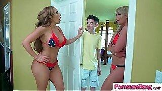 Coroa ex Dor for a Porn Video with Hot Pornstar Phoenix Marie - 7:58
