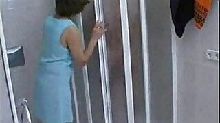 Mature woman seduces milf in hotel room naked - 7:28